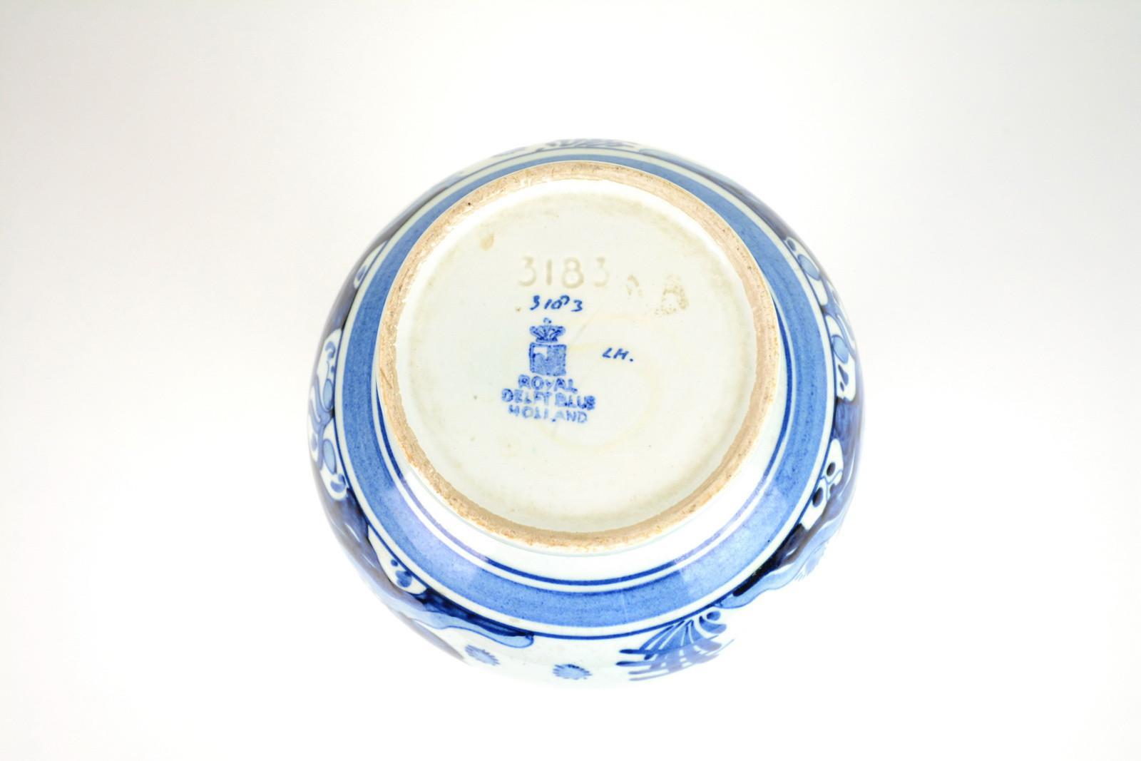 vaso-ceramica-dipinto-a-mano-decoro-blu-1,2048.jpg?WebbinsCacheCounter=1