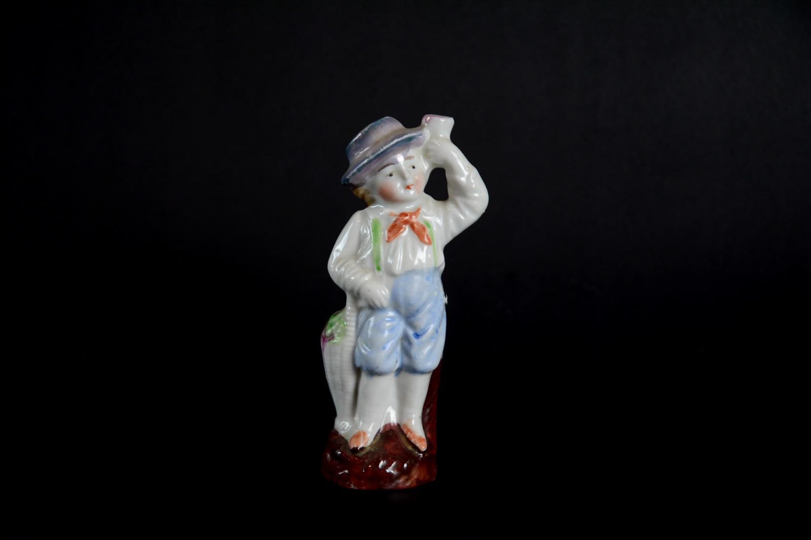 statuetta-in-ceramica-ragazzo-tirolese,2378.jpg?WebbinsCacheCounter=1