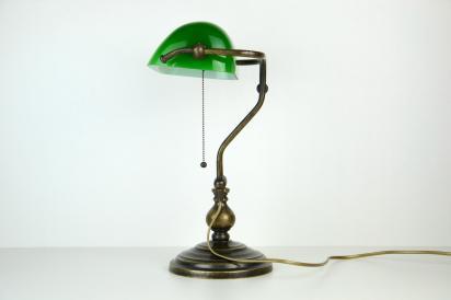 Lampade ministeriali lettura illuminazione oggetti vecchi e