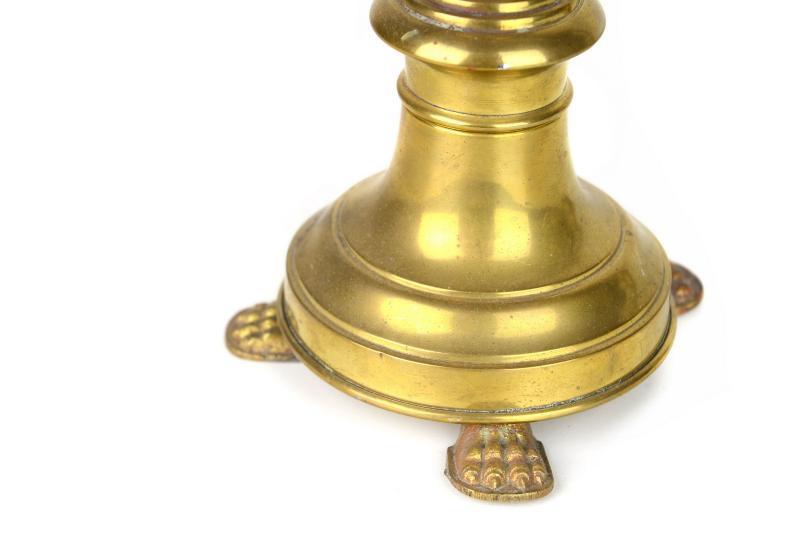 antichi-candelabri-in-ottone-dorato-1,2979.jpg?WebbinsCacheCounter=1-antiquastyle