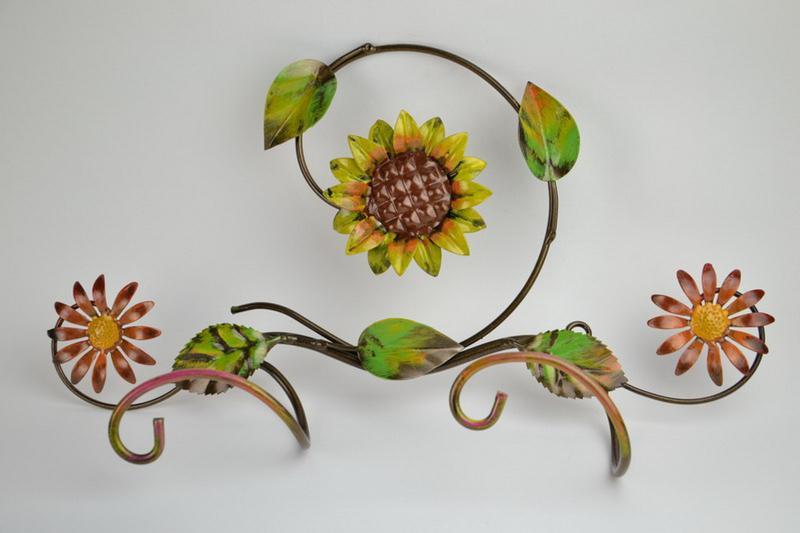 appendino-ferro-doppio-gancio-vestiti-girasole-e-fiori-3,338.jpg?WebbinsCacheCounter=1
