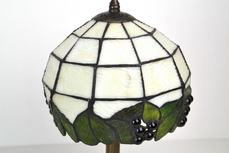 coppia-lampade-tiffany-comodino-09,1566.jpg?WebbinsCacheCounter=1-antiquastyle