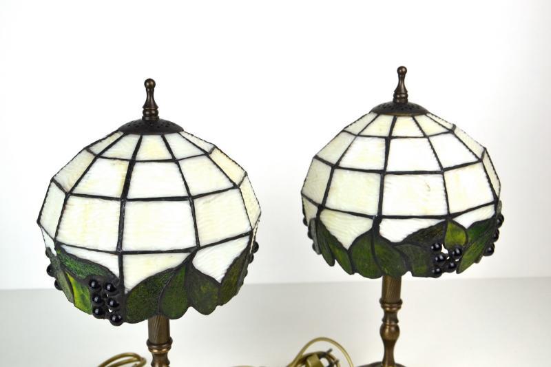 coppia-lampade-tiffany-comodino-10,1567.jpg?WebbinsCacheCounter=1-antiquastyle