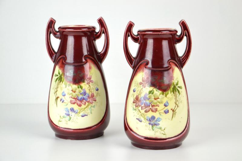 coppia_vasi_liberty_in_ceramica_dipinta_6,1576.jpg?WebbinsCacheCounter=1