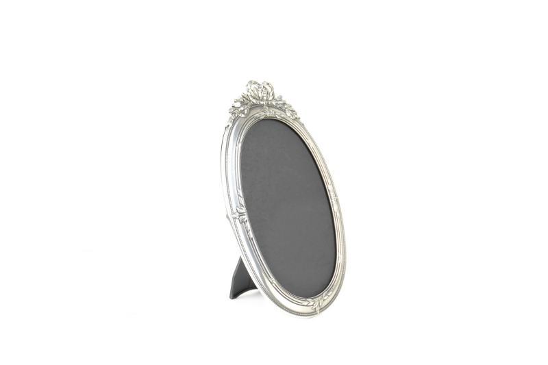 cornice-portafoto-ovale-ottone-massiccio-argentato-retro-in-plastica-2,2652.jpg?WebbinsCacheCounter=1