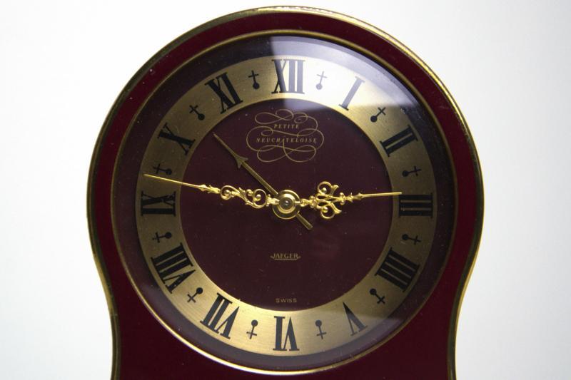 jaeger-petit-neuchteloise-orologio-sveglia-da-tavolo-1,3322.jpg?WebbinsCacheCounter=1-antiquastyle