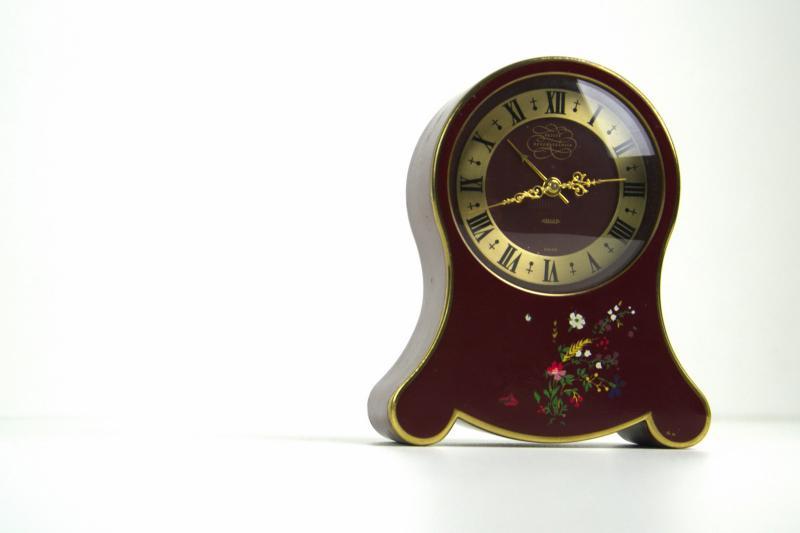 jaeger-petit-neuchteloise-orologio-sveglia-da-tavolo-2,3321.jpg?WebbinsCacheCounter=1-antiquastyle