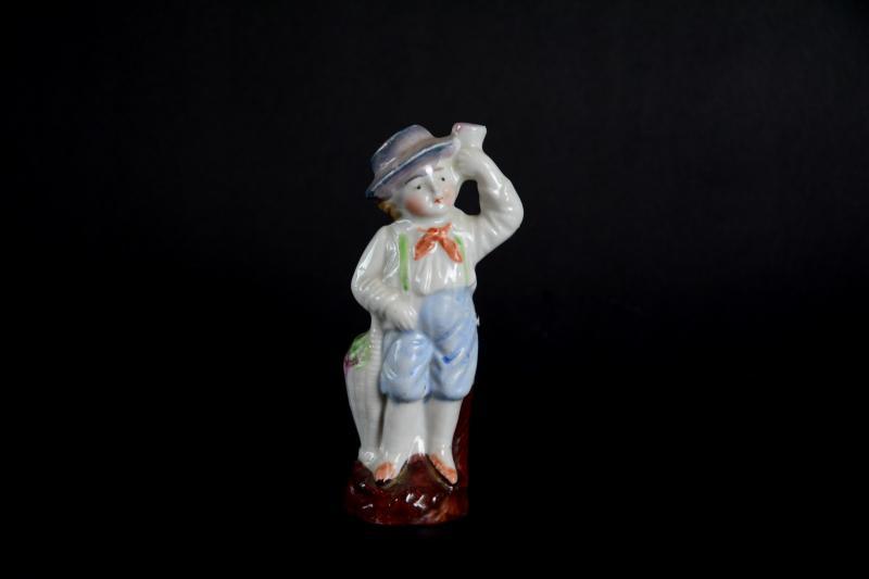 statuetta-in-ceramica-ragazzo-tirolese,2378.jpg?WebbinsCacheCounter=1-antiquastyle