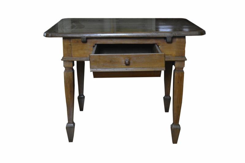 tavolo-in-ciliegio-fino-800-2,2839.jpg?WebbinsCacheCounter=1
